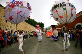 Chinas Oaxaquenas, Oaxaca, Guelaguetza, Dave Millers Mexico